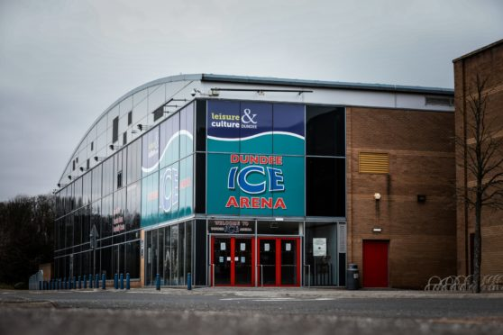 Dundee Stars defeated rivals Fife Flyers in dramatic fashion at Dundee Ice Arena.