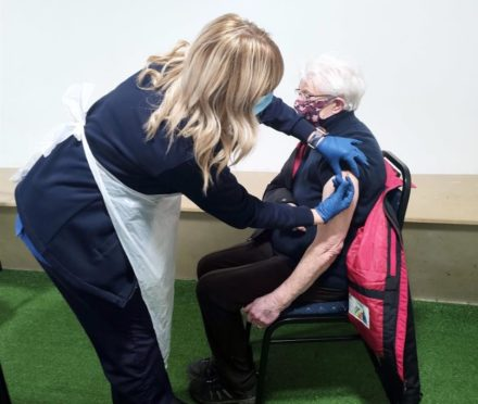 Anna O'Neill, 94, a patient at North Glen Medical Practice in Glenrothes receiving the vaccine today.. Glenrothes. Supplied by NHS Fife Date; 21/01/2021