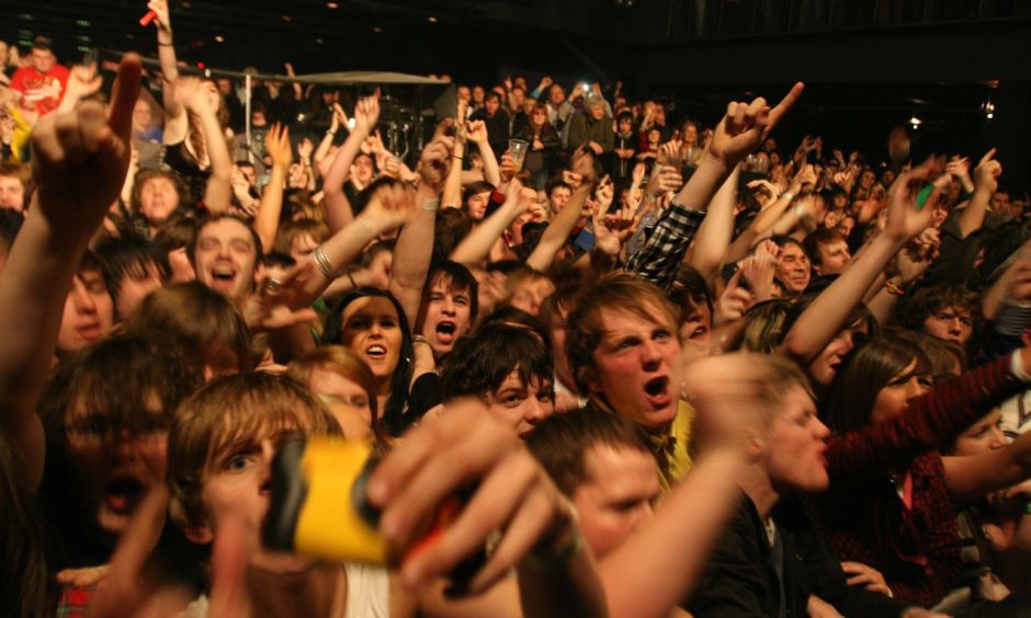 Fans go wild for The View at Fat Sam's in 2008.
