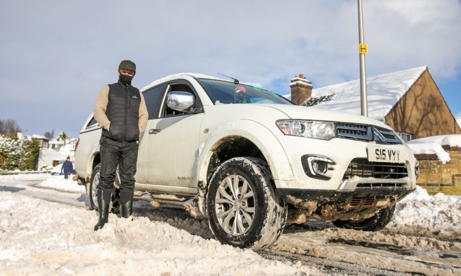 Ross Sievwright has been giving lifts to key workers in the snow.