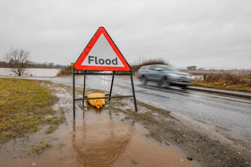 Flooding around the A923.