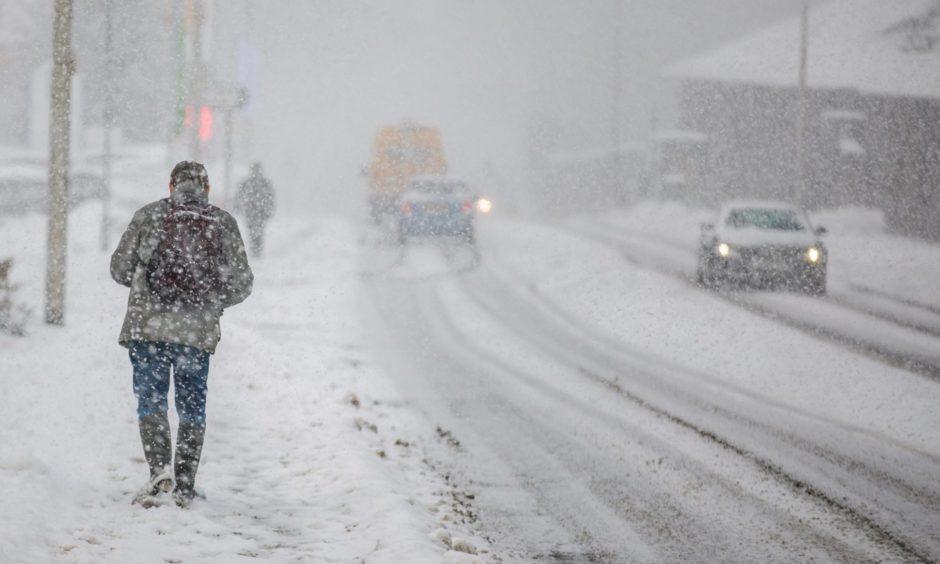 Snow on Edinburgh Road, Perth.