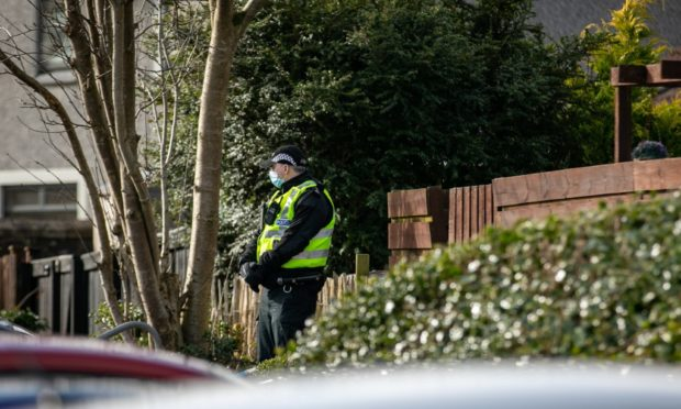 Police on Uist Road, Glenrothes.
