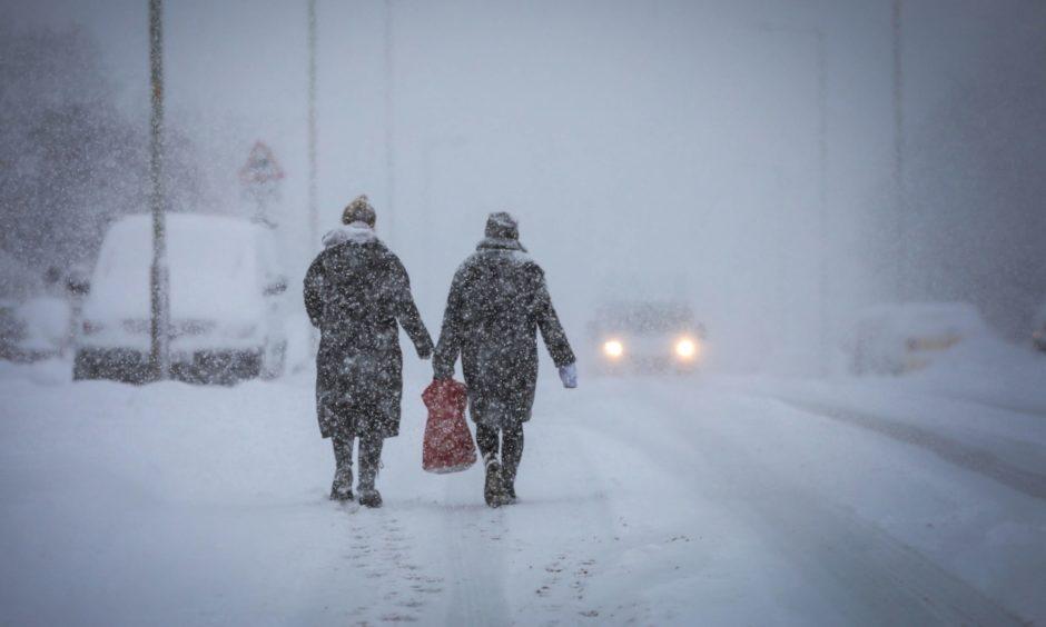 Heavy snow on Charleston Drive, Dundee.