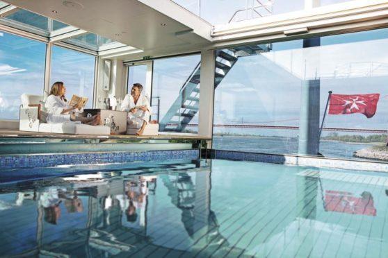 Emerald Cruises Pool
