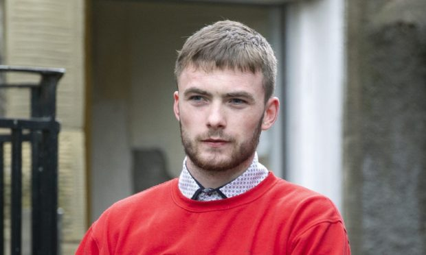 Perth Sheriff Court.....     Robbie Smullen is led to jail…charged with murder of Barry Dixon, trial at High Court in Edinburgh. see story by Gordon Currie Picture by Graeme Hart. Copyright Perthshire Picture Agency Tel: 01738 623350  Mobile: 07990 594431
