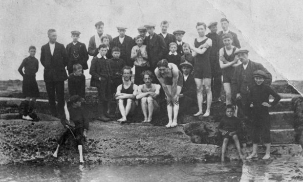 Pittenweem Bathing Station: 1920s