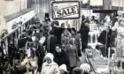 The sales were back in full swing in several Dundee stores today after the New Year holiday. T&P 3/1/76  B11 1976-01-03 Draffens Sale (C)DCT