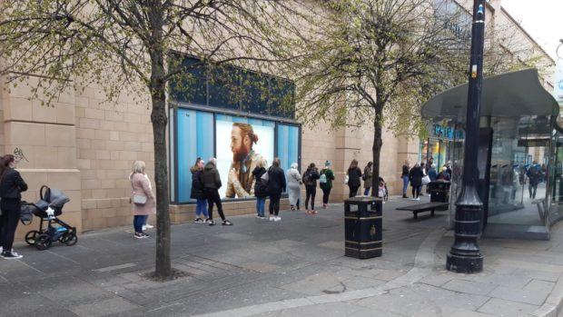queues Primark Dundee