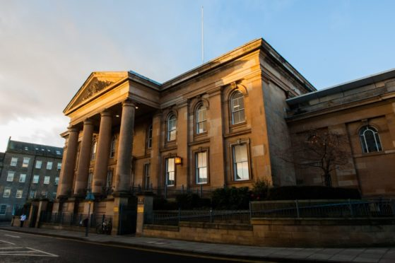 Dundee domestic abuser jail