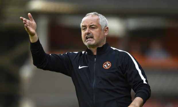 Former Dundee United star Ray McKinnon is in line for Brechin job.