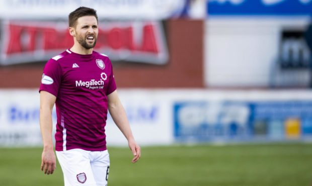 Former Arbroath captain Mark Whatley is set to join Montrose