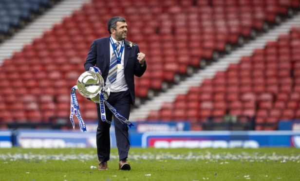 St Johnstone manager Callum Davidson with the Betfred Cup