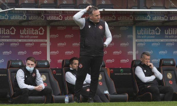 Dundee United boss Micky Mellon has some big decisions to make ahead of Saturday's Scottish Cup semi-final against Hibs.