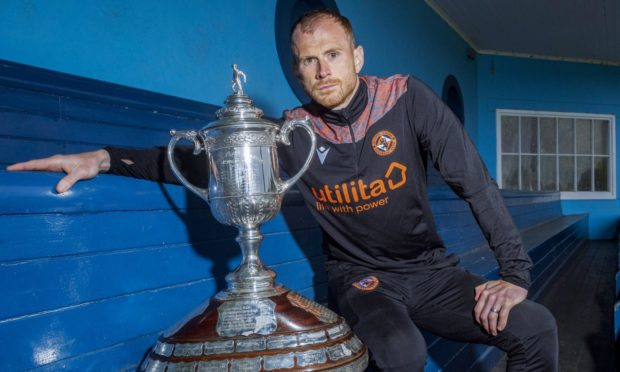 Dundee United skipper Mark Reynolds is dreaming of getting his hands on the Scottish Cup.