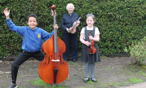 Dundee rotary music donation