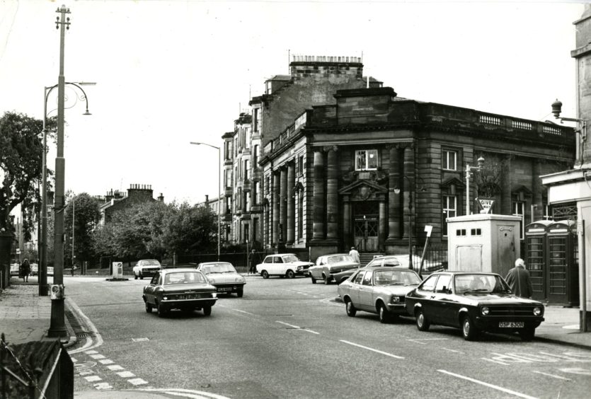 A view of Blackness Library at the junction with Perth Road from 1978