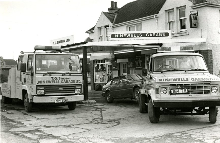 Ninewells Garage on Perth with two recovery trucks in 1986