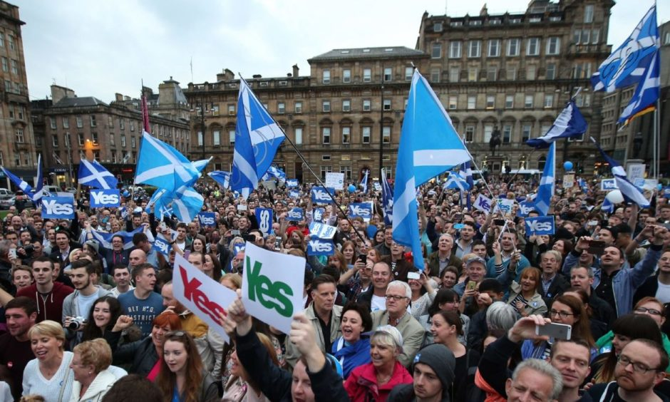 Yes rally in George Square, Glasgow, ahead of 2014 referendum.