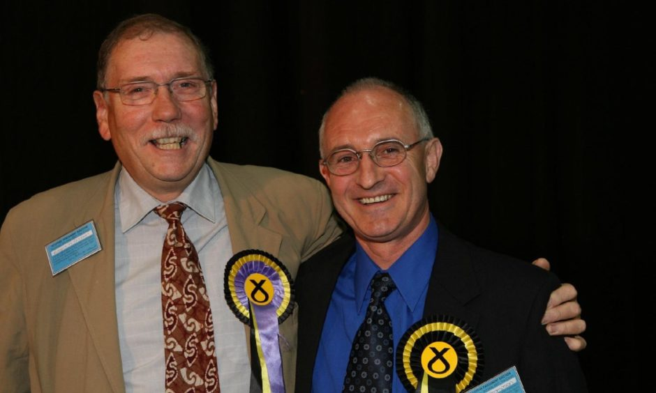 ROB GIBSON AND DAVE THOMPSON THE LAST TWO SNP MSPS VOTED IN,....PIC PETER JOLLY