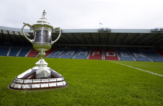 Just 600 fans will be granted access to Hampden for the Scottish Cup final between St Johnstone and Hibs.