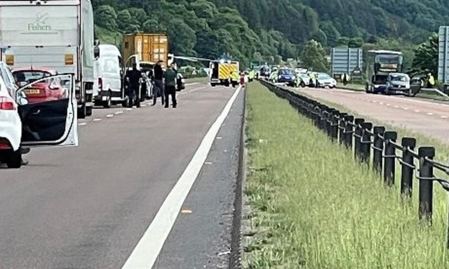 The A9 close to Pitlochry is currently closed close due to an ongoing traffic incident.