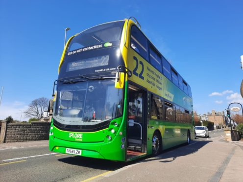 The Electric Emeralds will share the same livery as Xplore Dundee's current Emerald double deckers, such as this one on Service 22