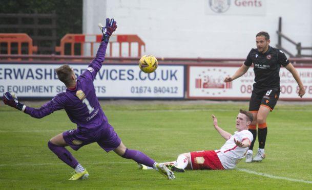 St Johnstone keeper Jack Wills is hoping to earn Brechin City loan deal