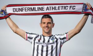 Former Rangers, Scotland and Dundee midfielder Graham Dorrans joins Dunfermline