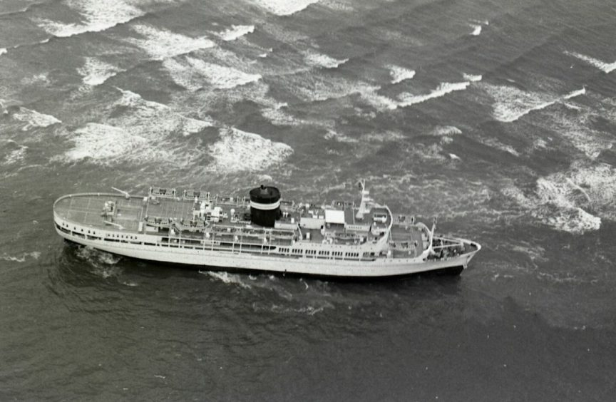 The SS Uganda got in a spot of bother during a visit to Dundee in 1976.