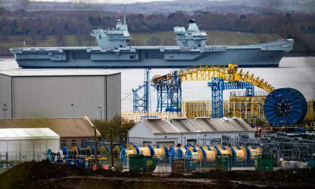 Workers at Kaefer in Port of Rosyth have received a significant wage rise. The company does work for the Ministry of Defence among others.