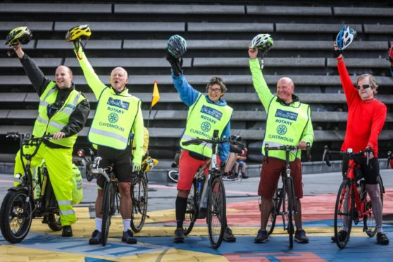 Cyclists begin their 2 week virtual challenge from Dundee's V&A.