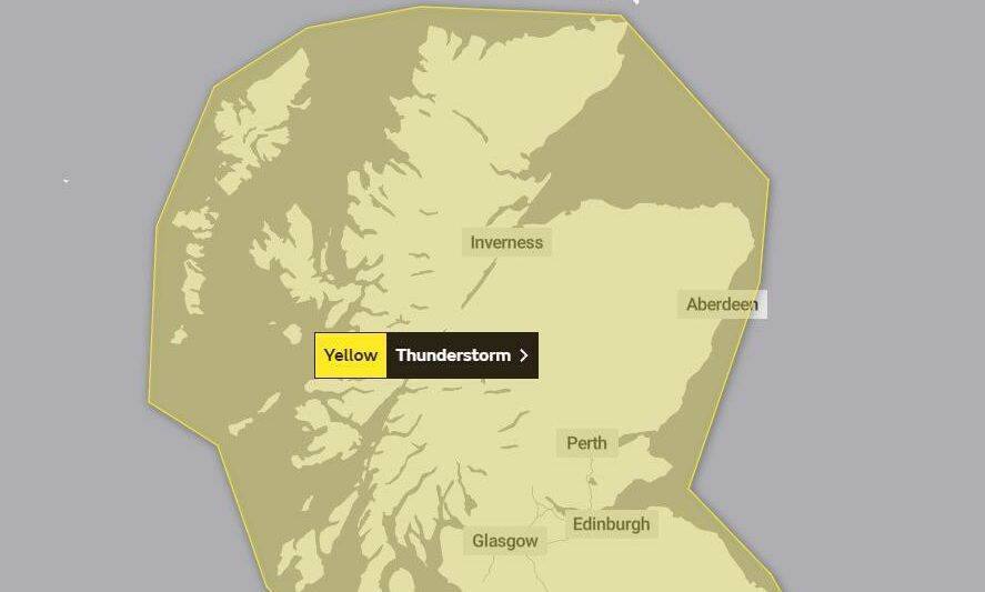 A yellow weather warning for thunderstorms has been issued across Scotland