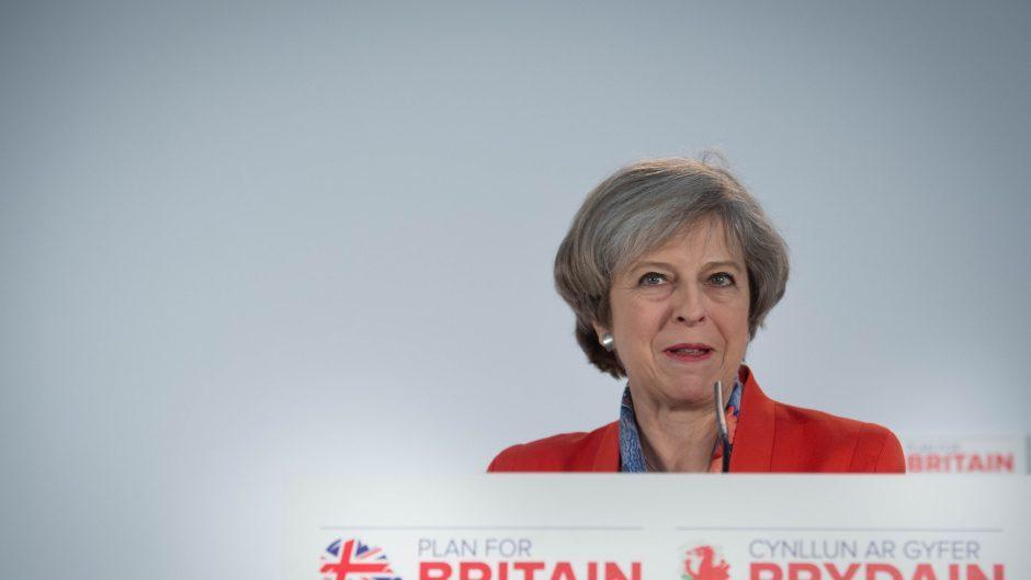 UK Must Face `Huge Burden' of 15 New Brexit Bills, Report Says