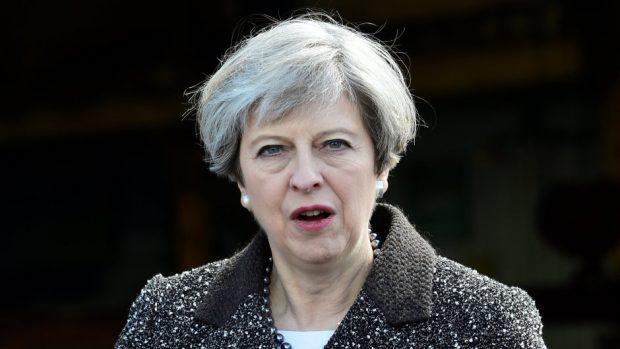 Theresa May to meet EU chief Brexit negotiator Michel Barnier at Downing Street