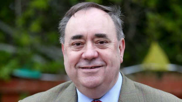 Alex Salmond threatens Scottish Government with court action over release of evidence to inquiry
