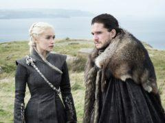Emilia Clarke as Daenerys Targaryen and Kit Harington as Jon Snow in Game Of Thrones (HBO)