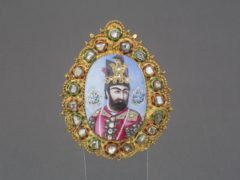 Portrait medal of Muhammad Shah Qajar, c 1835 (Islamic ArtsMuseum Malaysia)