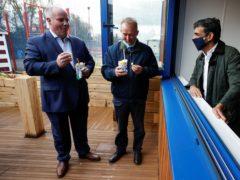 Rishi Sunak talks to Andrew RT Davies (left) and Simon Hart (centre) (Phil Noble/PA)