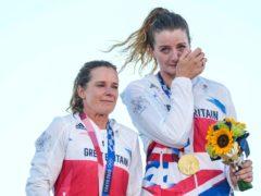 Hannah Mills and Eilidh McIntyre celebrate the 470 women's gold medal (AP Photo/Gregorio Borgia)