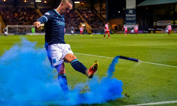 Leigh Griffiths apologises for kicking smoke bomb into St Johnstone fans at Dens Park