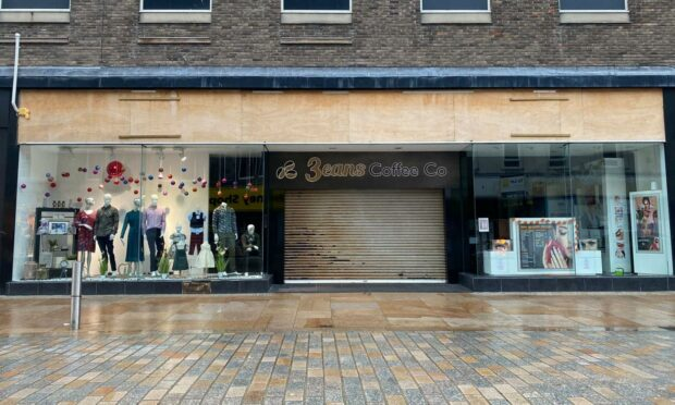 Anger as department store 15:17 closes Kirkcaldy branch within five weeks