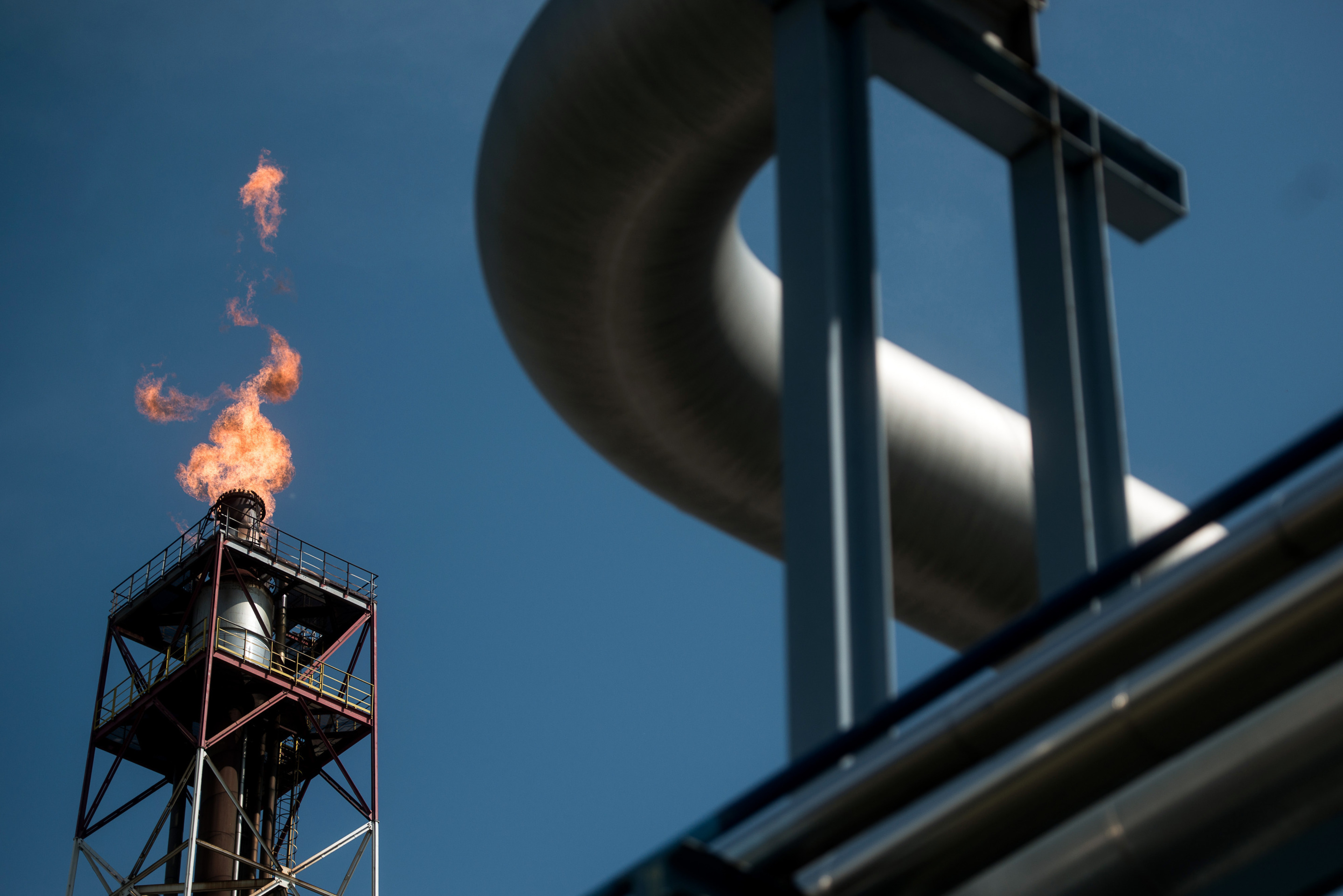 Wild swings in Iraq oil production give OPEC another problem
