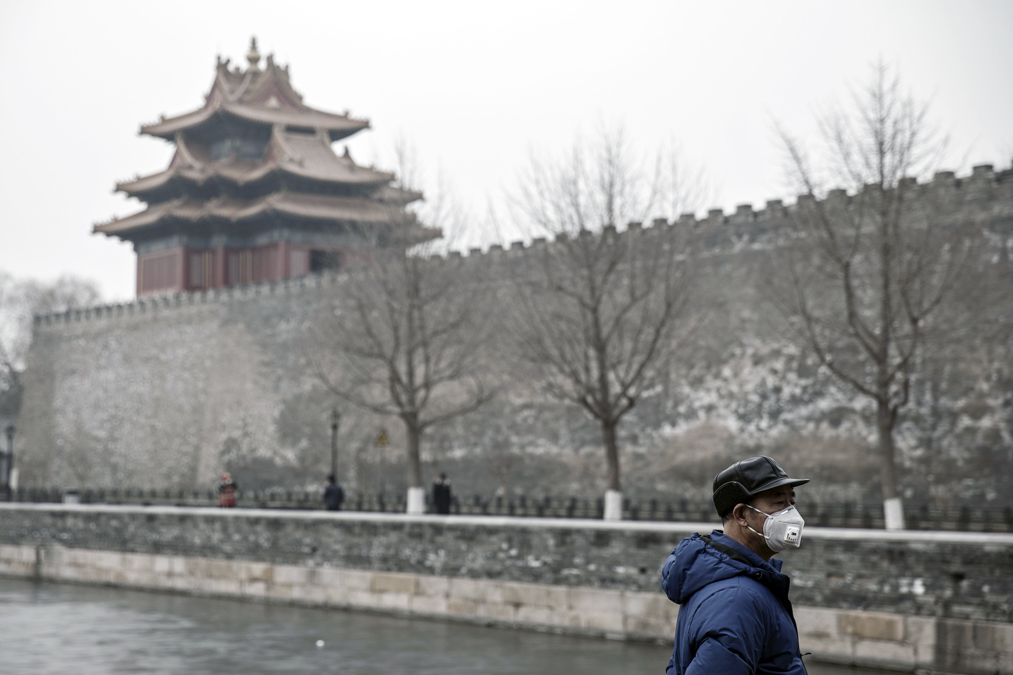 China's winter misery brings LNG traders gift of volatility