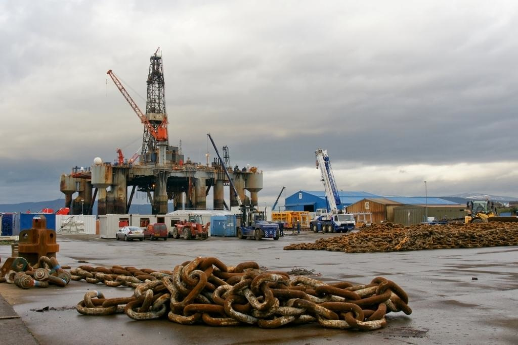 Report: Fears trio of Cromarty Firth-stacked rigs headed for beaches, not yards