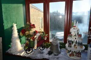 A Christmassy windowsill at Glenbarr Abbey.