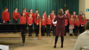 Dalintober School Choir conducted by Catherine Black.