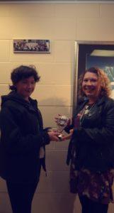 Ardgour host Katie-Emma Connolly presenting Jo Herron with the winning village trophy. NO F05 Strontian quiz